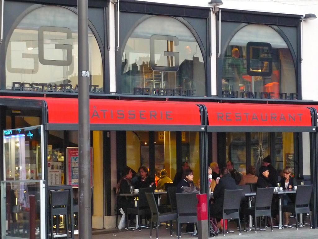 Galand restaurant salon de th sur le mans restaurant - Salon de the le mans ...