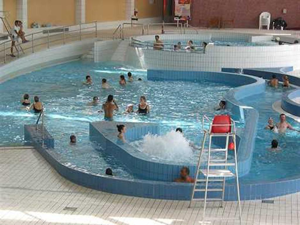 Les atlantides les piscines le mans sarthe for Piscine atlantides