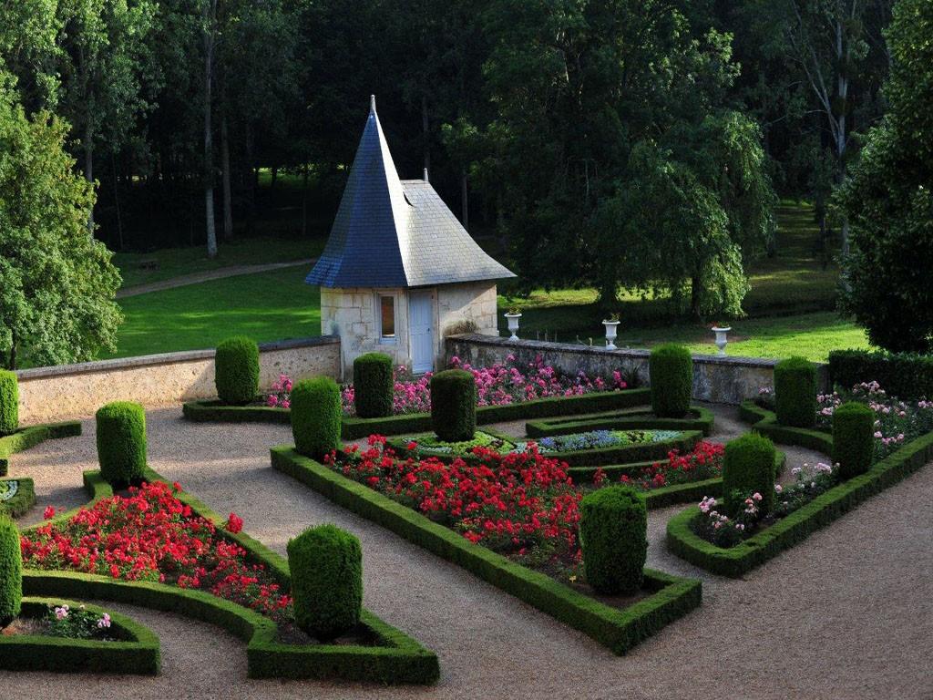 Jardins du ch teau de courtanvaux for Entretien jardin sarthe