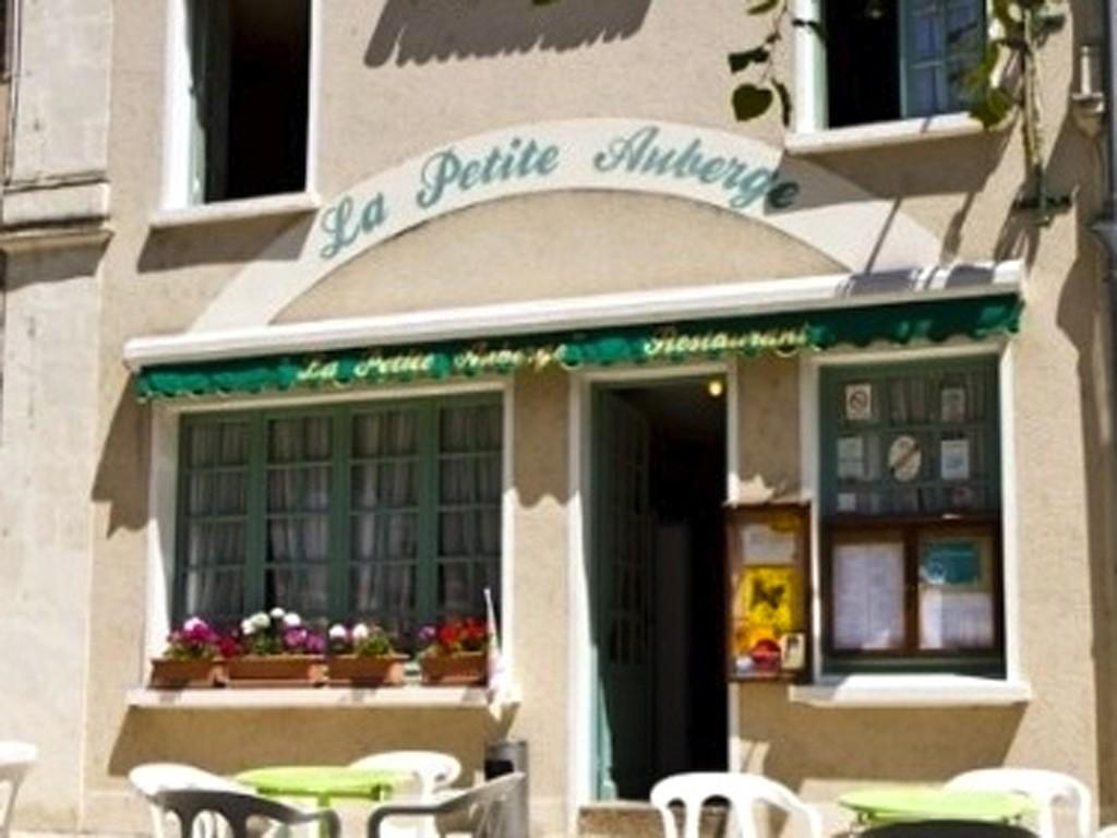La petite auberge cuisine gastronomique malicorne sur sarthe restaurant gastronomique le - Petit jardin restaurant luxembourg le mans ...